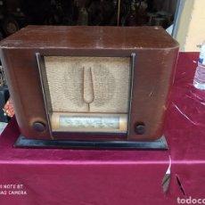 Radios de válvulas: PRECIOSA RADIO ANTIGUA. Lote 214786892