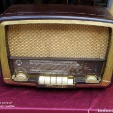 Radios de válvulas: INCREÍBLE RADIO PUNTO AZUL. Lote 214788433