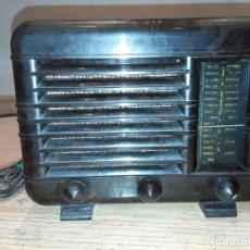 Radios de válvulas: ANTIGUA RADIO BAQUELITA RADIALVA.. Lote 215959117