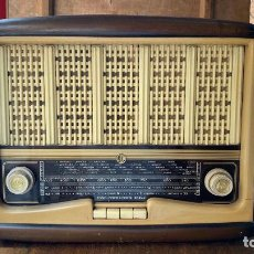 Radios de válvulas: RADIO VALVULAS MARCA VICA MODELO 550 FUNCIONANDO. Lote 216445670