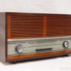 Radios de válvulas: ANTIGUA RADIO DE VÁLVULAS MARCA GRUNDIG, MAGNIFICO ESTADO Y FUNCIONANDO CON BUEN SONIDO (VER VÍDEO). Lote 216670092