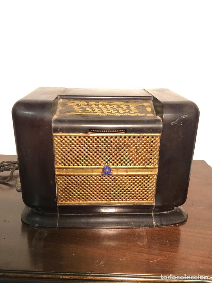 RADIOLA (Radios, Gramófonos, Grabadoras y Otros - Radios de Válvulas)