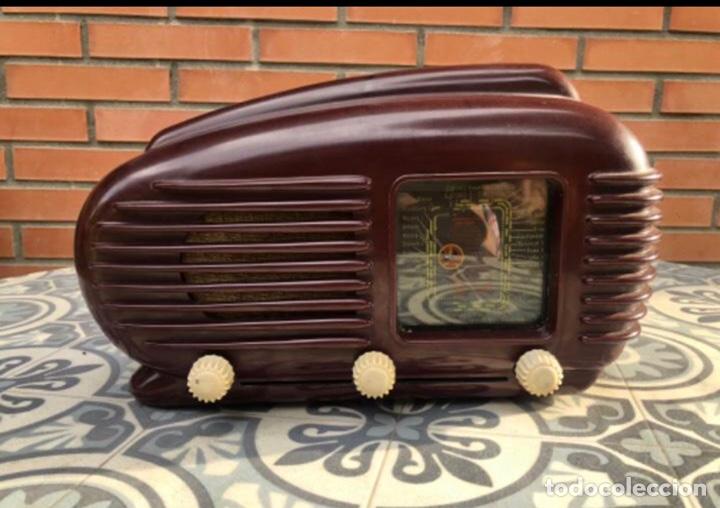 RADIO ANTIGUA TESLA TALISMAN 308U. MÁS PONIENDO USMO (Radios, Gramófonos, Grabadoras y Otros - Radios de Válvulas)