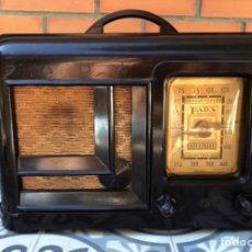 Radios de válvulas: RADIO ANTIGUA FADA MODEL 220. MÁS PONIENDO USMO .. Lote 232280040