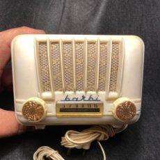 Valve radios: RADIO DE VALVULAS DE PLASTICO MARCA BARBI MODELO 41 DEL AÑO 1958. Lote 218565878