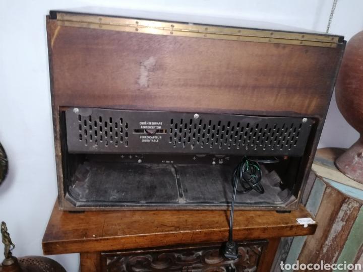 Radios de válvulas: Antiguo radio tocadiscos marca aristona - Foto 7 - 218757632