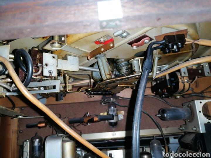 Radios de válvulas: Antiguo radio tocadiscos marca aristona - Foto 11 - 218757632