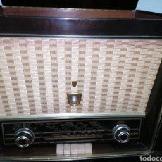 Radios de válvulas: ANTIGUO RADIO TOCADISCOS MARCA ARISTONA. Lote 218757632