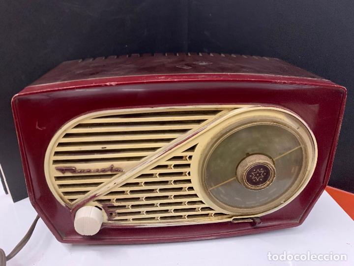 PRECIOSA RADIO DE BAQUELITA DE TAMAÑO PEQUEÑO RADIOLA. MODELO RARO (Radios, Gramófonos, Grabadoras y Otros - Radios de Válvulas)