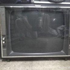 """Radios de válvulas: TV MARCA INTER BLANCO Y NEGRO 23"""". Lote 219700168"""