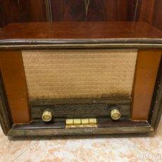 Radios de válvulas: ANTIGUA RADIO MARCONI, MODELO AM-96, VER FOTOS. Lote 220369357