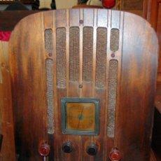 Radios de válvulas: RADIO CAPILLA, GENERAL ELECTRIC, MADERA, MIRAR FOTOS Y DESCRIPCIÓN.W. Lote 220451301