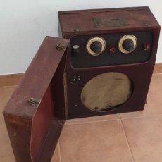 Radios de válvulas: RADIO DE VALVULAS DE MALETA PORTATIL FRANCESA. Lote 220670975
