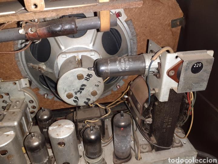 Radios de válvulas: Radio Philips HV 2502 A 50, funcionando - Foto 9 - 221310532