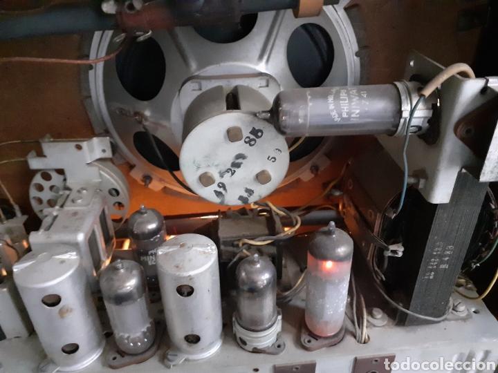 Radios de válvulas: Radio Philips HV 2502 A 50, funcionando - Foto 12 - 221310532