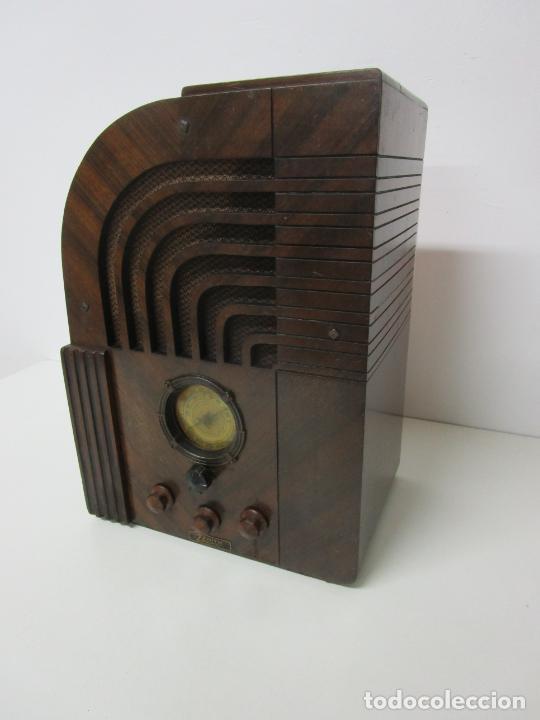 Radios de válvulas: Radio Zenith 812 - Art Decó - se Fabricaron 1154 Unidades -Instrucciones - Año 1935 - Foto 2 - 221359693
