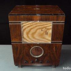 Radios de válvulas: RADIO LA VOZ DE SU AMO-4R18. Lote 221882485