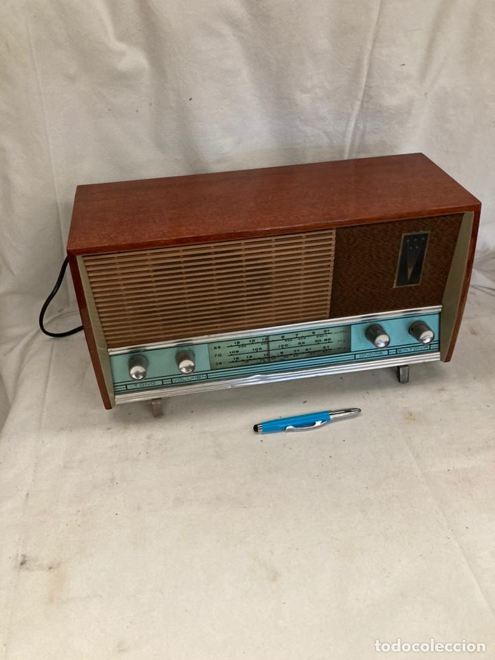 ANTIGUA RADIO DE MADERA! (Radios, Gramófonos, Grabadoras y Otros - Radios de Válvulas)