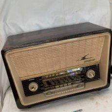 Radios de válvulas: ANTIGUA RADIO LOEWE OPTA MAGNET!. Lote 222079411