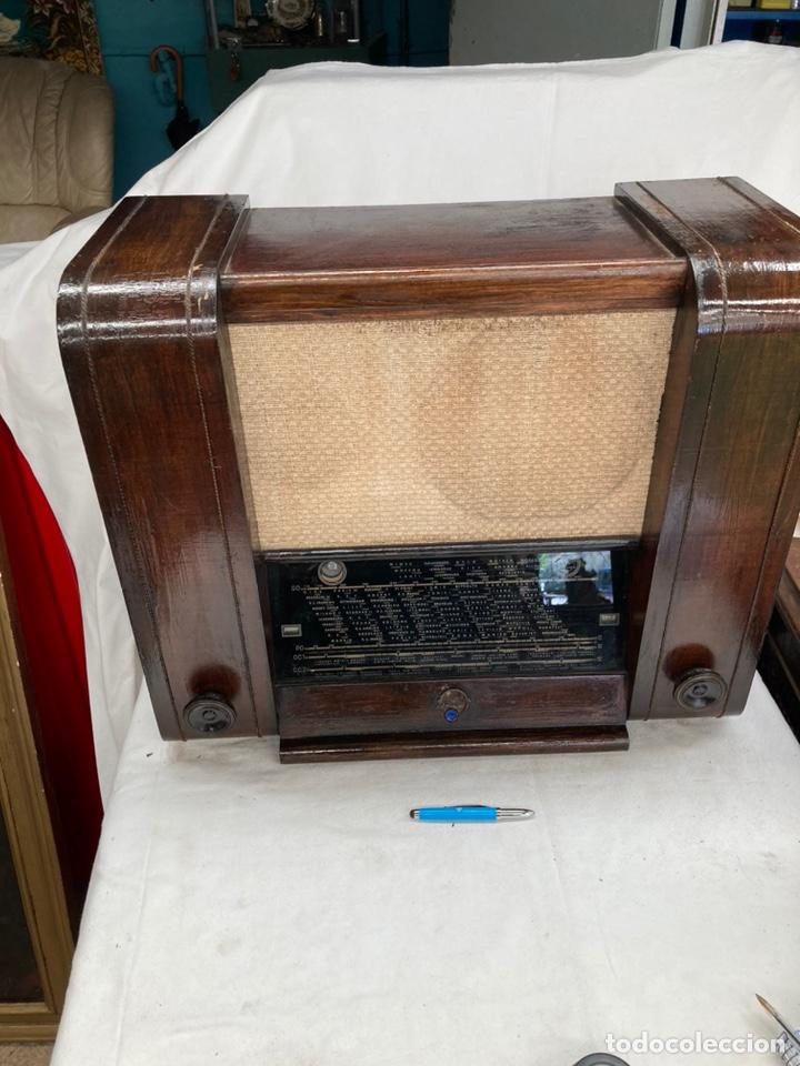ENORME RADIO ANTIGUA MARCA POINT BLEU! (Radios, Gramófonos, Grabadoras y Otros - Radios de Válvulas)