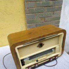 Radios de válvulas: ANTIGUA RADIO DE VÁLVULAS. Lote 222173297