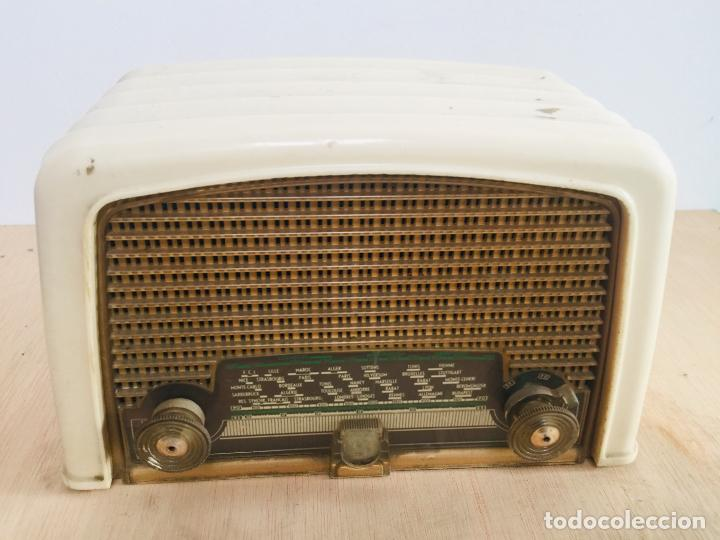 RADIO PHILIPS BAQUELITA BLANCA (Radios, Gramófonos, Grabadoras y Otros - Radios de Válvulas)