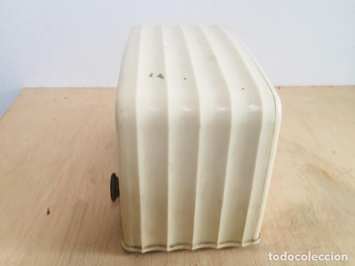 Radios de válvulas: Radio philips baquelita blanca - Foto 3 - 222352488