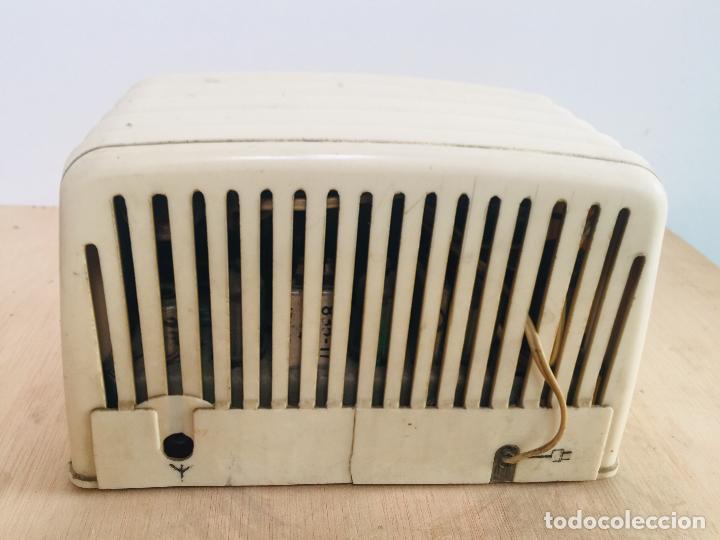 Radios de válvulas: Radio philips baquelita blanca - Foto 5 - 222352488