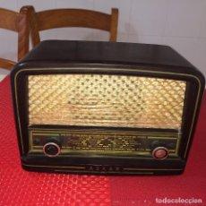 Radios de válvulas: ANTIGUA RADIO ASKAR - CARCASA DE BAQUELITA - MEDIDAS; 26 X 19 X 15 CMS. - VER Y LEER ESTADO. Lote 222428786