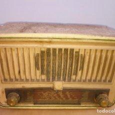 Radios de válvulas: RADIO VALVULAS BAQUELITA BLANCA PHILIPS. Lote 222561103