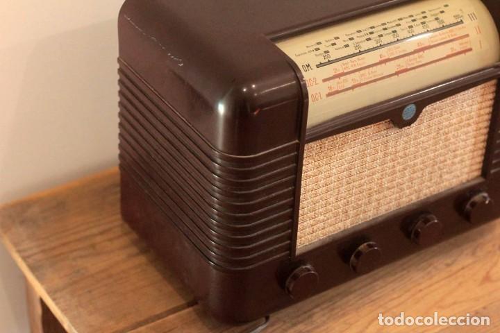 Radios de válvulas: RADIO A VALVULAS MARCONI P51BA. Muy buen estado. Funcionando. - Foto 3 - 223104418