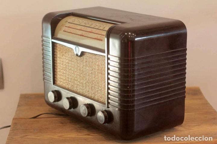 Radios de válvulas: RADIO A VALVULAS MARCONI P51BA. Muy buen estado. Funcionando. - Foto 5 - 223104418