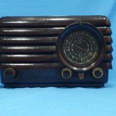 Radios de válvulas: ANTIGUA RADIO PHILIPS DE BAQUELITA. NO FUNCIONA. Lote 224024241