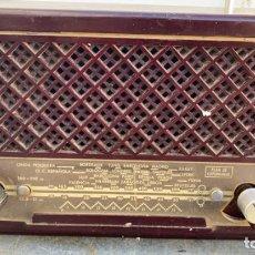 Radio a valvole: RADIO ANTIGUA PHILIPS DE BAQUELITA DE 26 CMS. DE LARGO X 14 DE ALTO X 16 DE ANCHO CON TRANSFORMADOR. Lote 224166055