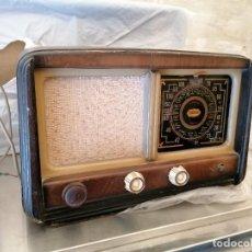 Radios de válvulas: RADIO ANTIGUA NO PROVADA MARCA MILTONE. Lote 224951216