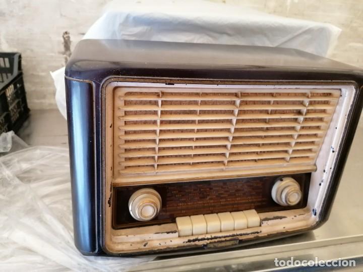Radios de válvulas: radio antigua no provada marca invicta - Foto 2 - 224951530