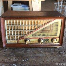 Radio a valvole: RADIO DE MADERA MODELO A-77. Lote 225046885