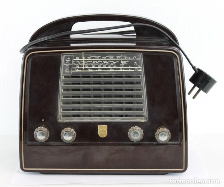 RADIO PHILLIPS LX422AB DE BAQUELITA. MEDIADOS DEL SIGLO XX. FUNCIONANDO (Radios, Gramófonos, Grabadoras y Otros - Radios de Válvulas)