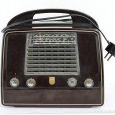 Radio a valvole: RADIO PHILLIPS LX422AB DE BAQUELITA. MEDIADOS DEL SIGLO XX. FUNCIONANDO. Lote 237405580