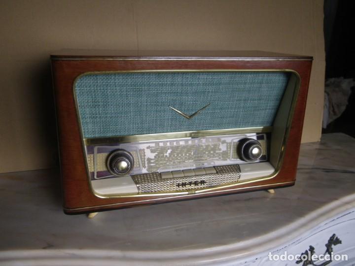 Radios de válvulas: ANTIGUA RADIO RESTAURADA MADERA DE NOGAL . MARCA INTER - Foto 2 - 225285776