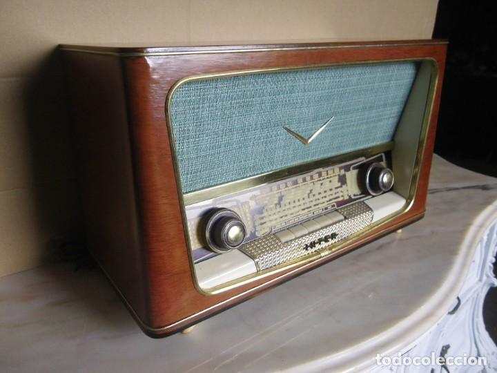 Radios de válvulas: ANTIGUA RADIO RESTAURADA MADERA DE NOGAL . MARCA INTER - Foto 6 - 225285776