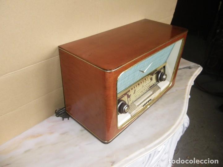 Radios de válvulas: ANTIGUA RADIO RESTAURADA MADERA DE NOGAL . MARCA INTER - Foto 8 - 225285776