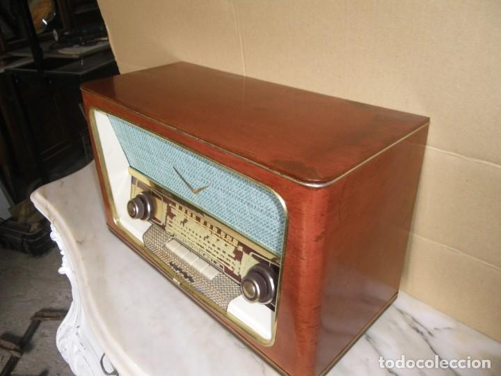 Radios de válvulas: ANTIGUA RADIO RESTAURADA MADERA DE NOGAL . MARCA INTER - Foto 10 - 225285776