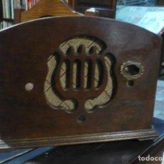 Radios de válvulas: CAJA DE RADIO DE LOS AÑOS 30 ART DECO SIN INTERIOR 25X20X14 CM. Lote 225714585