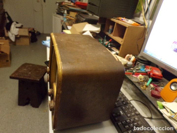 Radios de válvulas: bonita radio de valvulas creo marca melodial modelo 30-T - Foto 8 - 226110665