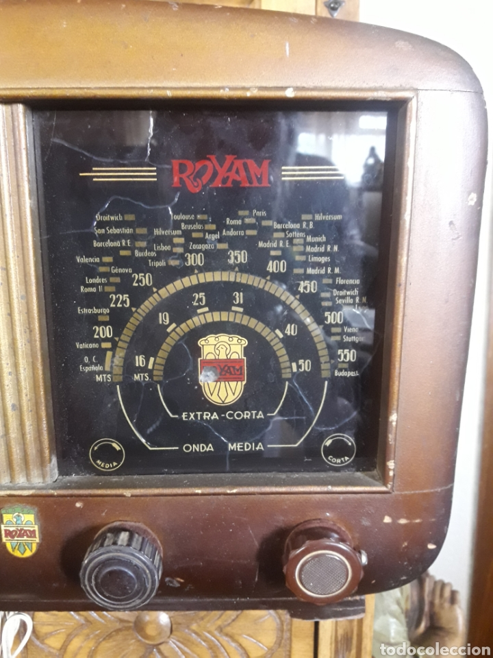 Radios de válvulas: Antiguo aparato de radio Royam - Foto 2 - 228127705