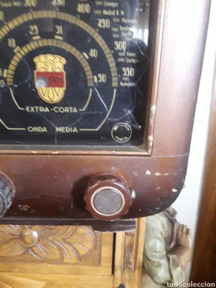 Radios de válvulas: Antiguo aparato de radio Royam - Foto 3 - 228127705