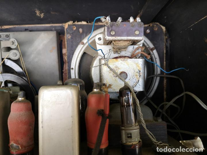 Radios de válvulas: RADIO INVICTA 330. MUEBLE MADERA. PRECIOSA. (VER FOTOS) - Foto 14 - 149542906