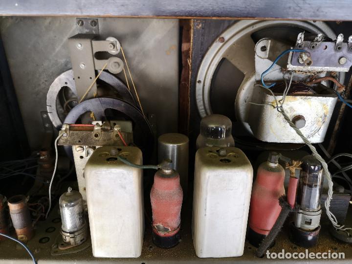 Radios de válvulas: RADIO INVICTA 330. MUEBLE MADERA. PRECIOSA. (VER FOTOS) - Foto 16 - 149542906