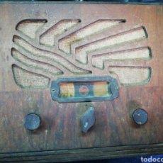 Radios à lampes: RADIO PHILIPS ANTIGUA MADERA AÑOS 30. Lote 230157885